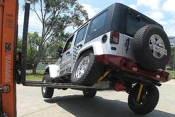 JK 4 Door Jeep At Full Flex