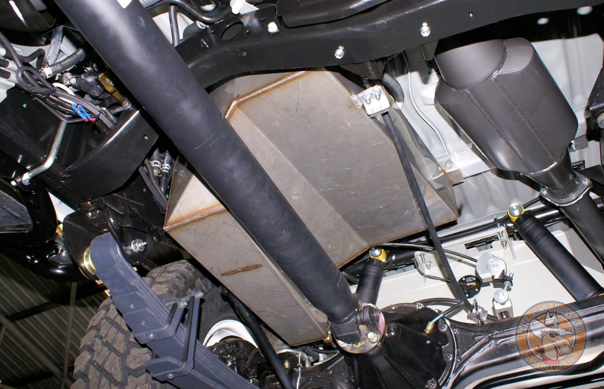 Toyota Landcruiser Troop Carrierwater tank fitted with taipan exhasut system